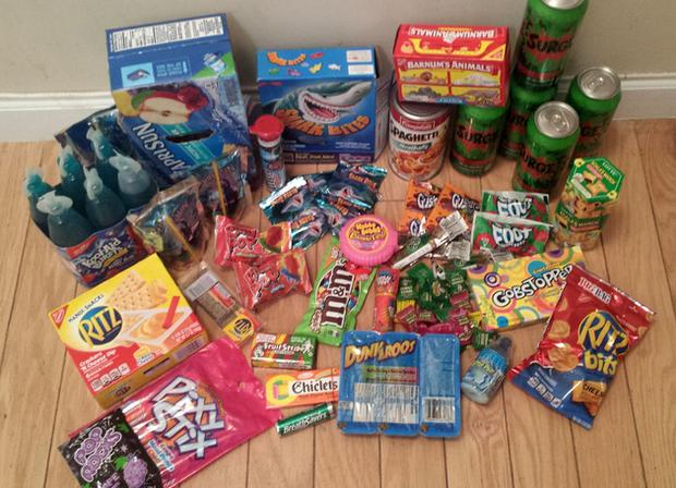 A selection of sweets, drinks and snacks from the 1990's Credit: Imgur