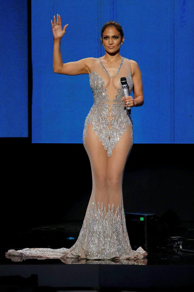 Host Jennifer Lopez speaks on stage during the 2015 American Music Awards in Los Angeles, California November 22, 2015. REUTERS/Mario Anzuoni