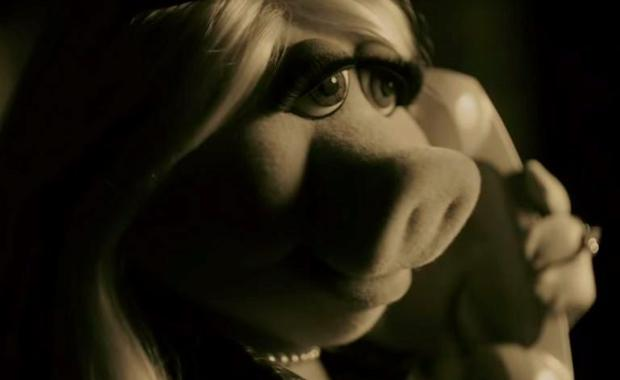 Miss Piggy in Adele Hello video parody