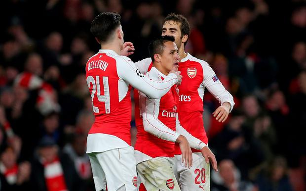Arsenal v Dinamo Zagreb - UEFA Champions League Group Stage - Group F - Emirates Stadium, London, England - 24/11/15 Alexis Sanchez celebrates with team mates after scoring the third goal for Arsenal Action Images via Reuters / Matthew Childs Livepic EDITORIAL USE ONLY.