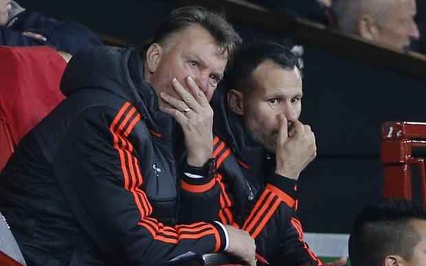 Louis van Gaal and Ryan Giggs look on in frustration against PSV Eindhoven