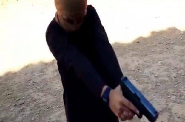 Latest video from Isis shows young children play dramatic maze game and execute prisoners