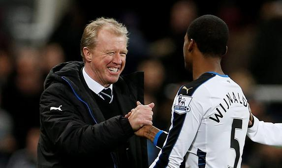 Newcastle United manager Steve McClaren celebrates with Georginio Wijnaldum after the game