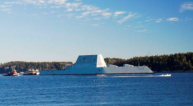 The USS Zumwalt is underway for the first time conducting at-sea tests and trials on the Kennebeck River Photo: U.S. Navy/General Dynamics Bath Iron Works via Getty