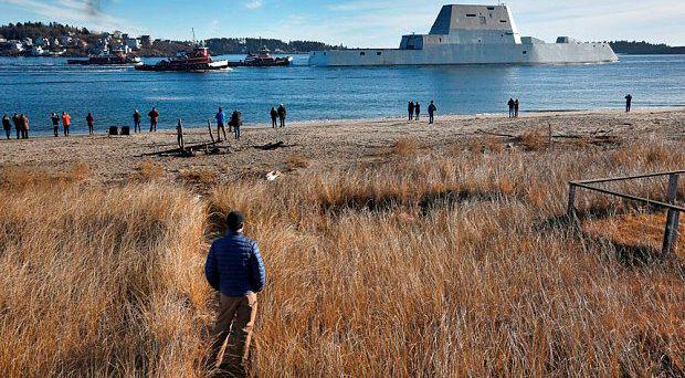 The first Zumwalt-class destroyer, the USS Zumwalt, the largest ever built for the U.S. Navy, leaves the Kennebec River