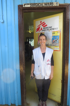 Aoife Ni Mhurchu outside the MSF hospital in the Highlands of Papua New Guinea.
