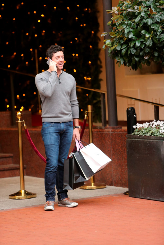 Rory McIlroy soaks up the Christmas atmosphere