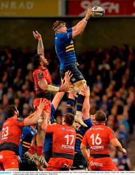 19 December 2015; Jamie Heasip, Leinster, wins possession in a lineout ahead of Jocelino Suta, Toulon. Picture credit: Matt Browne / SPORTSFILE