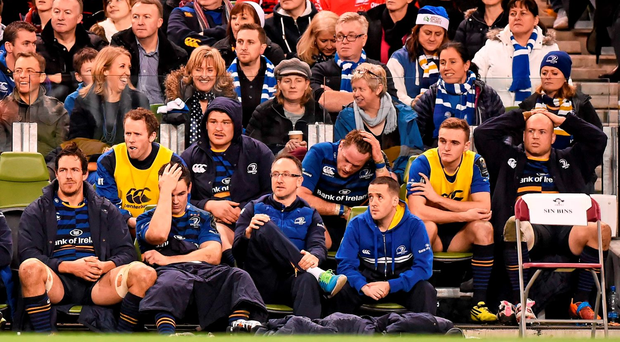 A gloom Leinster bench watch the final minutes of the game. Picture credit: Stephen McCarthy / SPORTSFILE