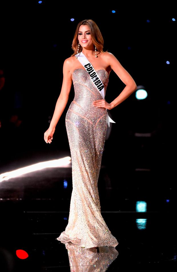 Miss Colombia 2015, Ariadna Gutierrezh (R), walks onstage during the 2015 Miss Universe Pageant at The Axis at Planet Hollywood Resort & Casino on December 20, 2015 in Las Vegas, Nevada. (Photo by Ethan Miller/Getty Images)