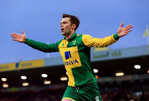 Norwich City's Jonny Howson celebrates scoring