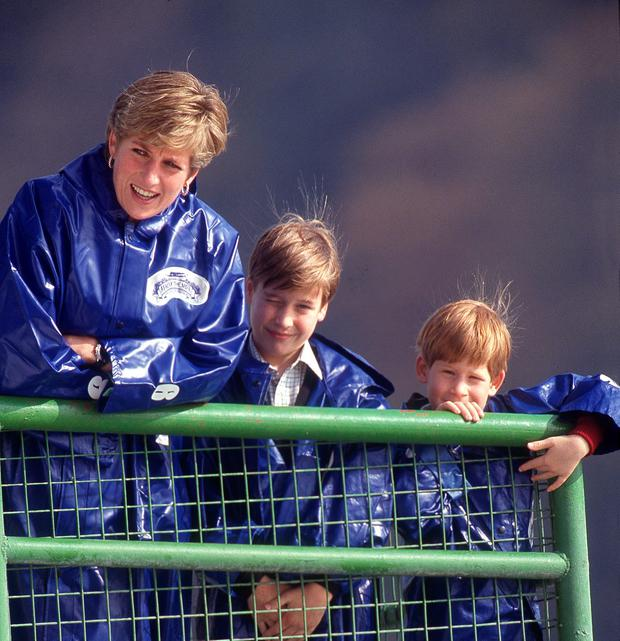The Princess of Wales takes her sons William and Harry out on the boat 'Maid of the Mist' at Niagara Falls, October 1991. (Photo by Jayne Fincher/Princess Diana Archive/Getty Images)