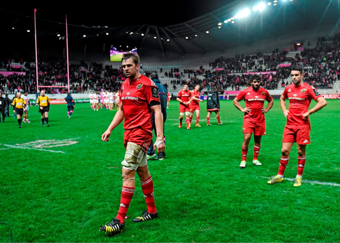 Munster players leave the field following their side's defeat. Picture credit: Ramsey Cardy / Sportsfile