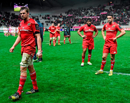 Munster players including Dave Foley, Conor Murray and Mario Sagario show their disappointment after the defeat to Stade Francais Picture credit: Ramsey Cardy / SPORTSFILE