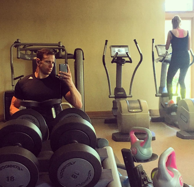 Wes Quirke and wife Rosanna work out together on holiday in Mauritius. Instagram