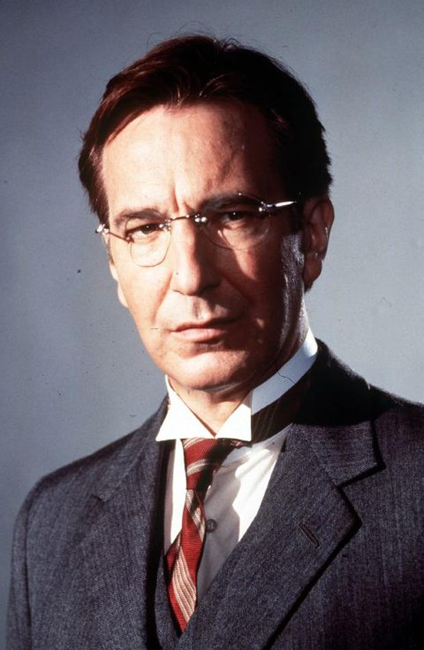 ALAN RICKMAN AS DE VALERA IN THE MOVIE MICHAEL COLLINS