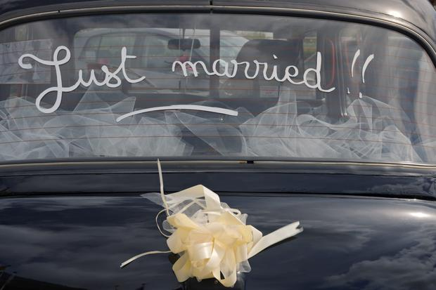 Car window with inscription just married