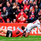 Darren Cave scores Ulster's second try of the game Picture credit: Ramsey Cardy / SPORTSFILE