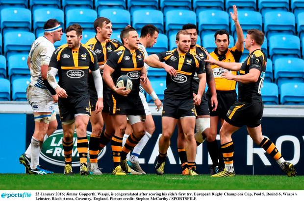 Wasps out-half Jimmy Gopperth is congratulated after scoring his side's first try. Picture credit: Stephen McCarthy / SPORTSFILE