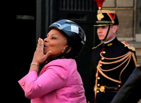 French Justice Minister Christiane Taubira blowing a kiss as she leaves the Elysee Palace in Paris (Photo: Jacky Naegelen/Reuters)