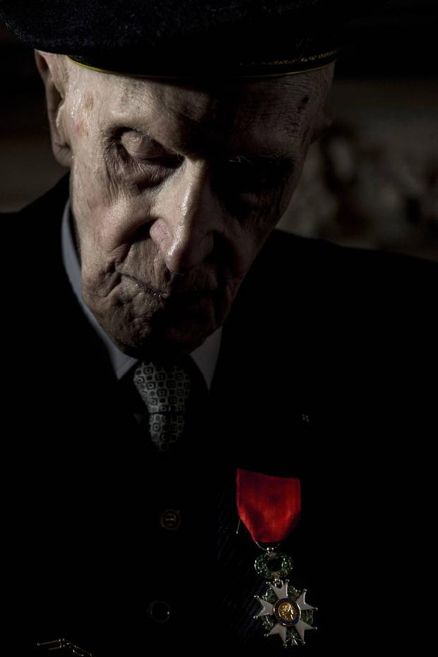 69. D-DAY Sir John Leslie, 98 year old D-Day veteran, who was awarded Legion D'Honneur at a ceremony at the French Ambassador's Residence - Mark Condren, Irish Independent, Press Photographers Association of Ireland 'Press Photographer of the Year' 2016