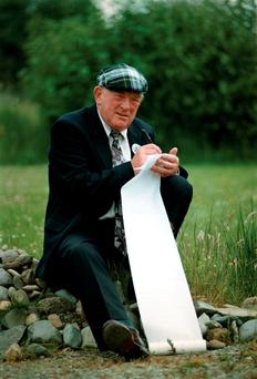 Jackie Healy-Rae with his 'shopping list' for his negotiations with Bertie Ahern after the 1997 general election. Photo: Don McMonagle