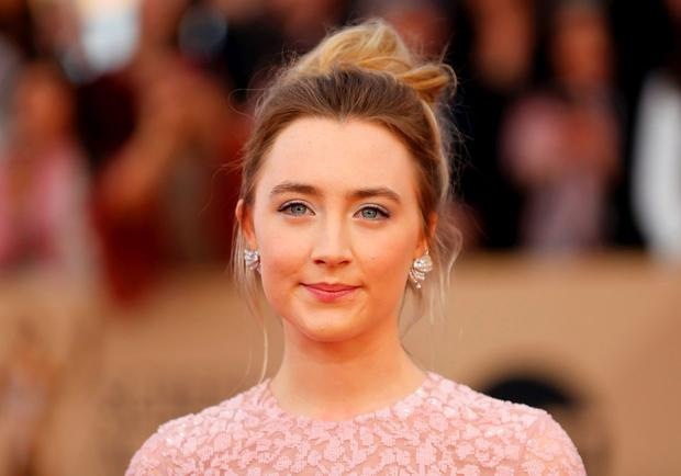 Actress Saoirse Ronan arrives at the 22nd Screen Actors Guild Awards in Los Angeles, California January 30, 2016. REUTERS/Mike Blake