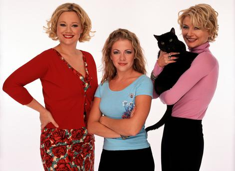 Caroline Rhea, Melissa Joan Hart and Beth Broderick in Sabrina, The Teenage Witch