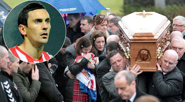 Mark Farren's wife leads mourners at the funeral, inset Mark Farren