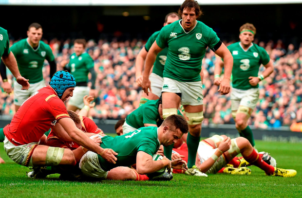Ireland's Conor Murray scores his side's first try of the game. Picture credit: Brendan Moran / Sportsfile