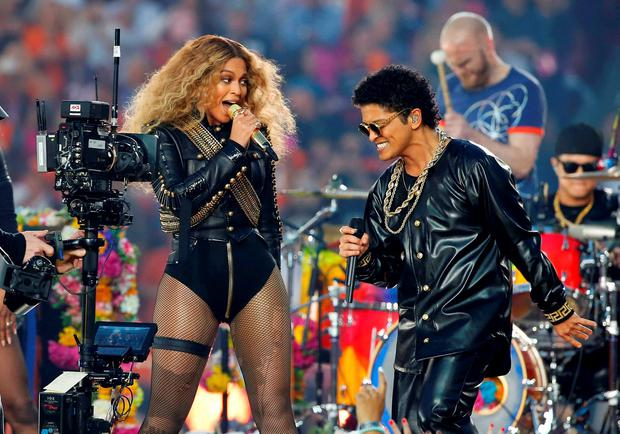 Beyonce and Bruno Mars perform during half-time show at the NFL's Super Bowl 50 football game between the Carolina Panthers and the Denver Broncos in Santa Clara, California February 7, 2016. REUTERS/Mike Blake