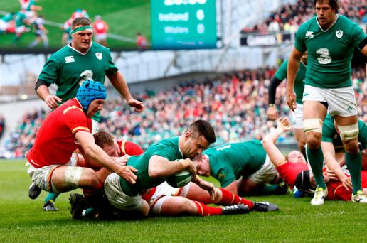Conor Murray scores Ireland's only try against Wales
