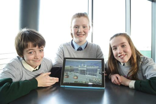 James Ó Cianáin (11 from Gaelscoil Bhradain Feasa, Meath), Kate Rose Twomey (12 from Mary Mother of Hope Secondary School, Littlepace) and Róisín Ní Chatháin (12 from Gaelscoil Bhradáin) at the launch of The MindRising Games at DCU.