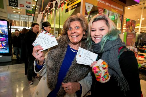 Mother and Daughter Laura Costello and Ita Gibney getting their Bruce Springsteen Tickets
