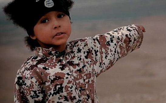 Isa Dare in a previous ISIL video