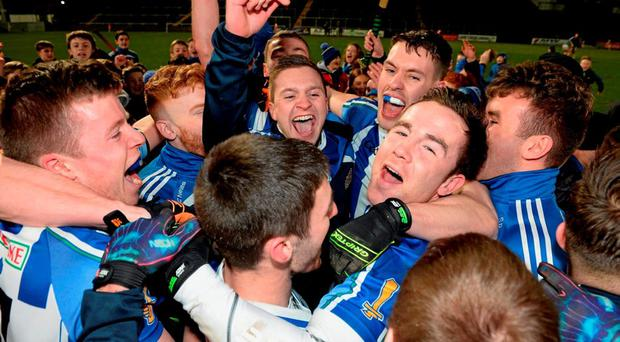 Ballyboden St Enda's players celebrate the victory. AIB GAA Football Senior Club Championship, Semi-Final, Ballyboden St Enda's v Clonmel Commercials. O'Moore Park, Portlaoise, Co. Laois. Picture credit: Cody Glenn / SPORTSFILE