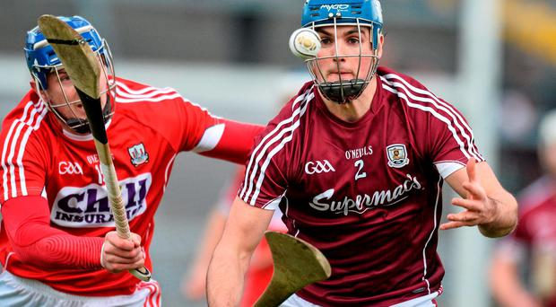 Johnny Coen, Galway, in action against Patrick Horgan, Cork. Allianz Hurling League, Division 1A, Round 1, Galway v Cork. Pearse Stadium, Galway. Picture credit: David Maher / SPORTSFILE