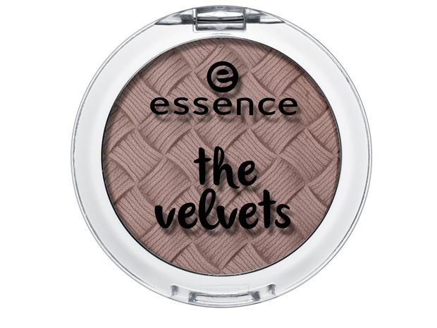 Essence eyeshadow in 05 Taupe Secret