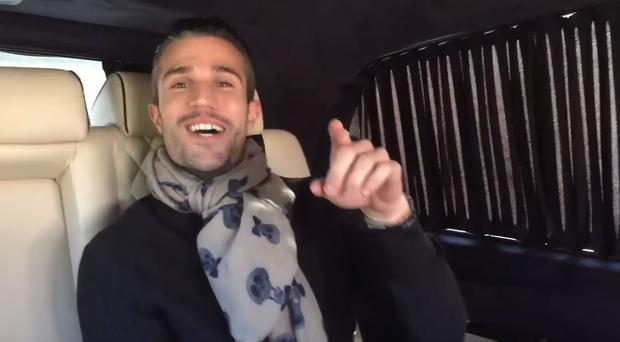 Robin van Persie shows off his singing talent
