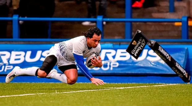 Leinster's Isa Nacewa scores against Cardiff Blues. Picture credit: Stephen McCarthy / SPORTSFILE