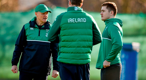 Joe Schmidt, Simon Easterby and Paddy Jackson in discussion at yesterday's training session in Carton House. Photo: Brendan Moran / Sportsfile.