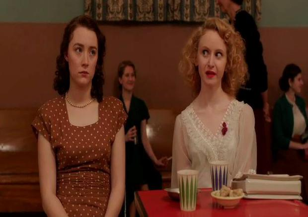 Saoirse Ronan and Jenn Murray in Brooklyn deleted scene
