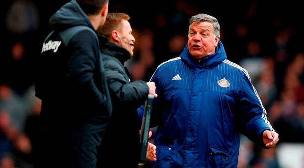 LONDON, ENGLAND - FEBRUARY 27: Manager Sam Allardyce of Sunderland talks to the fourth official Michael Jones during the Barclays Premier League match between West Ham United and Sunderland at the Boleyn Ground on 27 February, 2016 in London, England. (Photo by Christopher Lee/Getty Images)