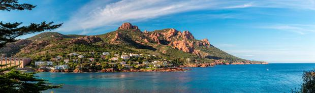 Corniche de L'Esterel: The way to 'do' the South of France is to walk and cycle as much of it as possible.