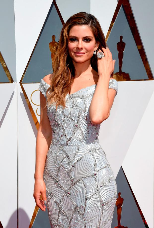 Maria Menounos wears a custom Christian Siriano for Stella Artois gown inspired by the limited-edition Chalices benefiting Water.org during the 88th Annual Academy Awards at Hollywood & Highland Center on February 28, 2016 in Hollywood, California. (Photo by Ethan Miller/Getty Images)