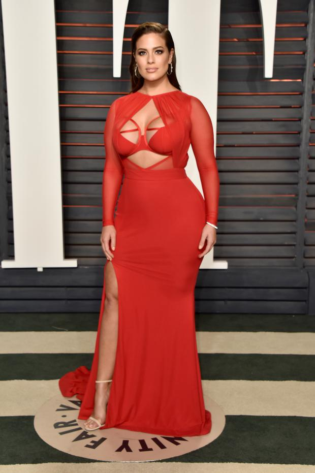Ashley Graham stuns in a Bao Tranchi dress at the Oscars. (Photo by Pascal Le Segretain/Getty Images)