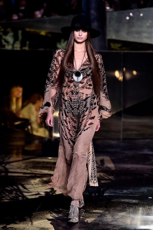 PARIS, FRANCE - MARCH 02: Taylor Hill walks the runway during the H&M show as part of the Paris Fashion Week Womenswear Fall/Winter 2016/2017 on March 2, 2016 in Paris, France. (Photo by Pascal Le Segretain/Getty Images)