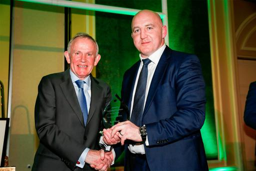 Leslie Buckley founder of the charity Haven and Chairman of INM, presents Keith Wood with the Haven Outstanding Contribution to Irish Rugby Award, at the Haven 6 Nations Rugby lunch in the Intercontinental Hotel in Ballsbridge