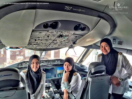 The all-female flight deck crew (Photo: Royal Brunei Airlines)