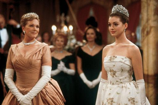 Anne Hathaway and Julie Andrews in The Princess Diaries